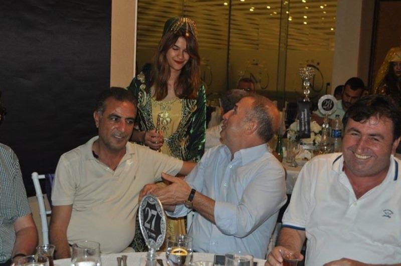Koluman,Mersin'de müşterileriyle iftarda buluştu galerisi resim 6