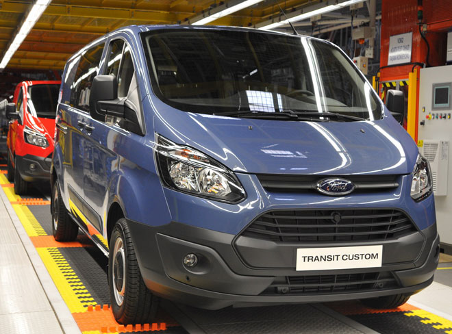 Tourneo Custom ve Transit Custom banttan indi