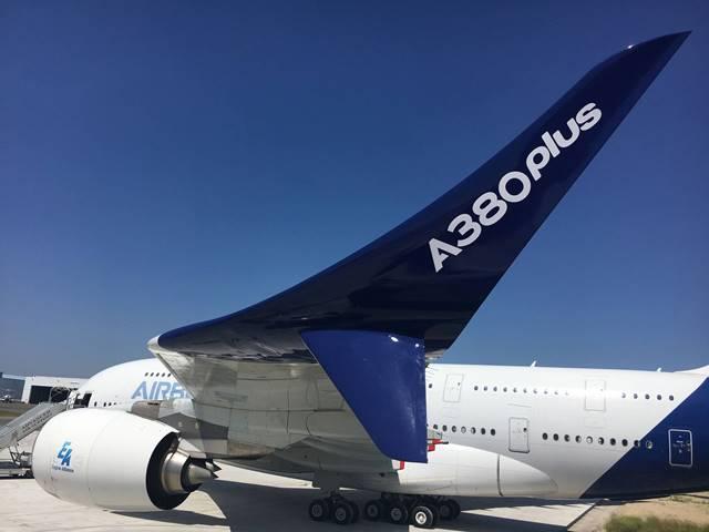 O, dünyanın en büyük yolcu uçağı