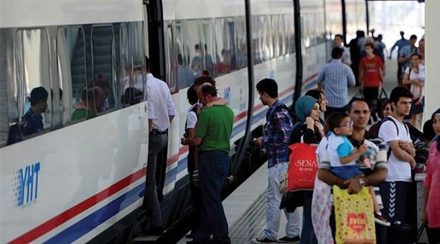 Tren var, trene giden toplu taşıma yok