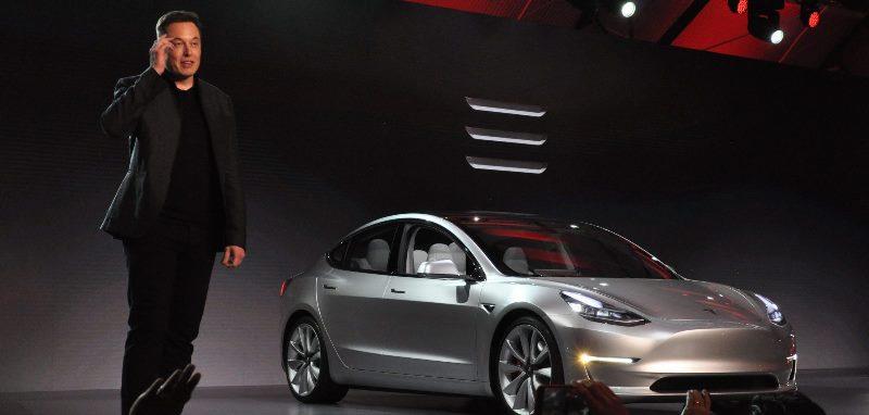 Tesla'dan BMW ve Mercedes'e rakip model