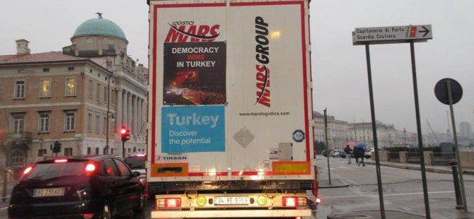 Demokrasi kamyonları 300 bin sefer yaptı