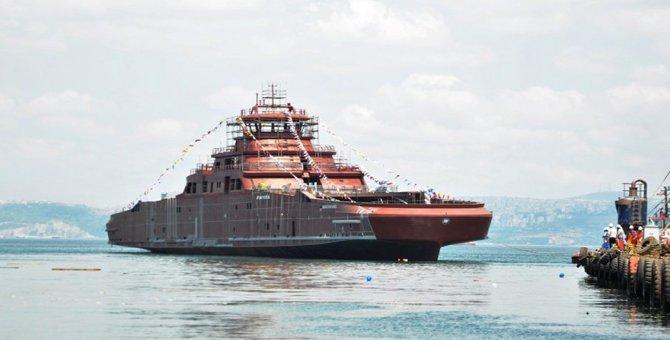 Akülü feribot Yalova'da denize indirildi