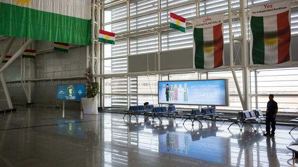 Erbil Havalimanı'nda in cin top oynuyor