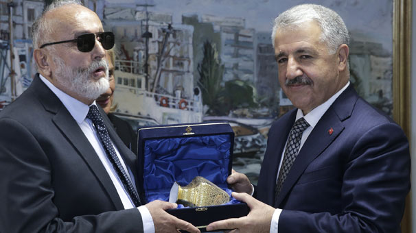 Bakan Arslan: Feribot yasağı kalktı