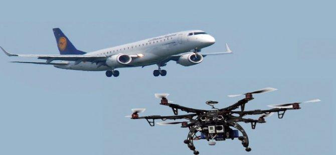 Drone, inişe geçen uçağa çarptı