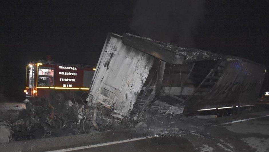 3 TIR kaza yaptı, 3 sürücü yaşamını yitirdi