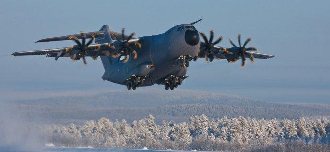 Rusya ve BAE'den nakliye ve yolcu uçağı