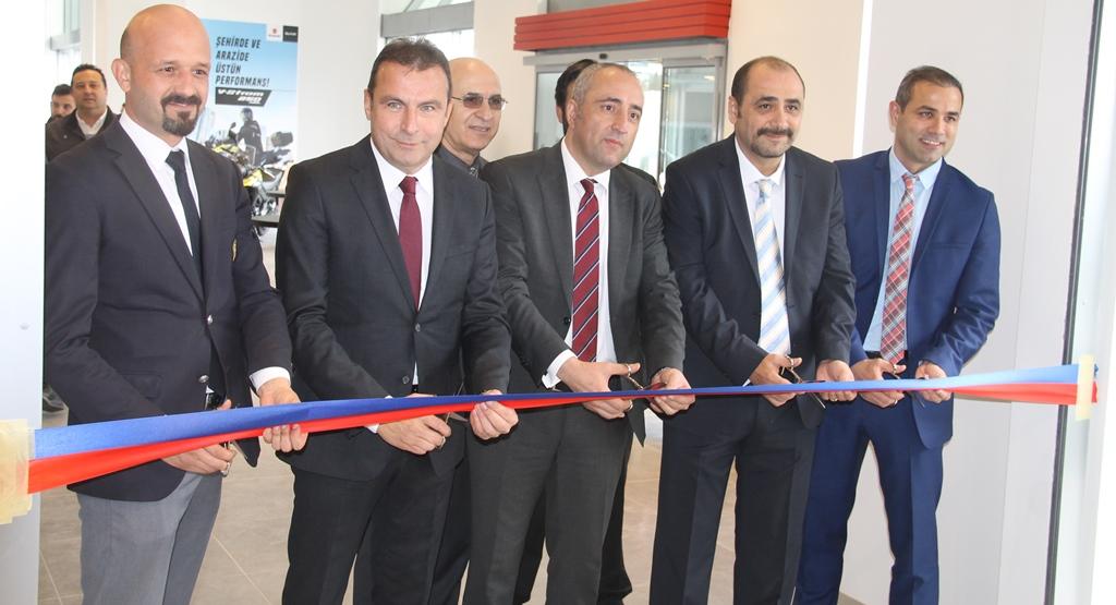 DAF, yeni çekicisini tanıttı, İkitelli tesisini açtı