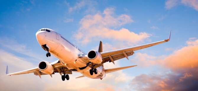 C-2 nakliye uçağı düştü, 8 kişi kurtarıldı