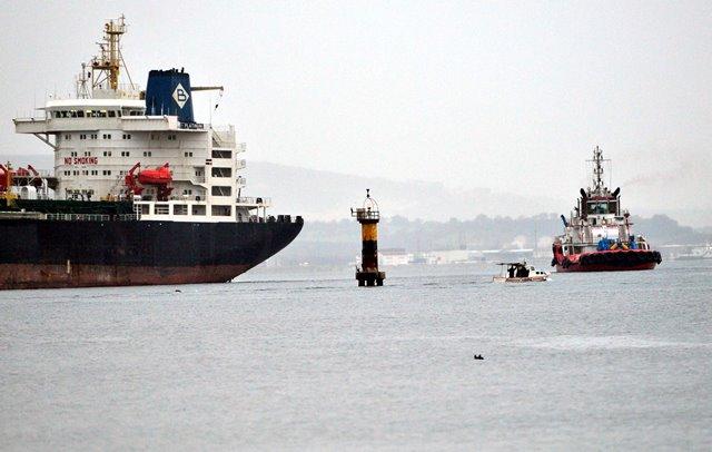 Çanakkale'de Yunan bayraklı gemi alarmı
