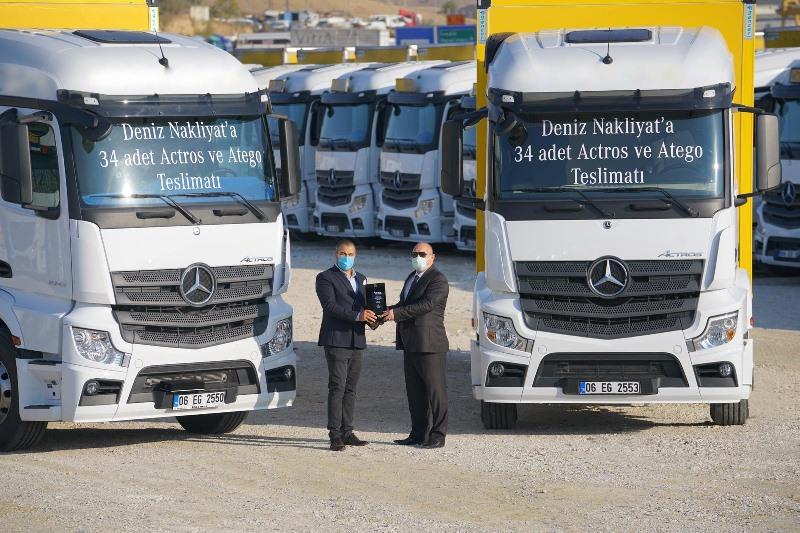 Mercedes, Deniz Nakliyat'a 34 yeni araç teslim etti