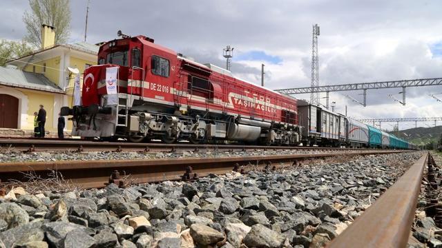 İstanbul-Tahran-İslamabad yük treni yeniden raylara iniyor