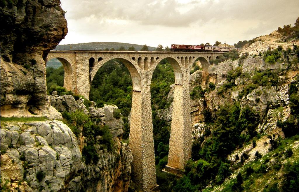 Bağdat demiryolu Türkiye'ye kadar uzatılacak