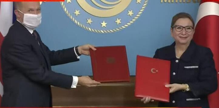 """""""Türkiye-İngiltere STA anlaşması memnuniyet verici"""""""