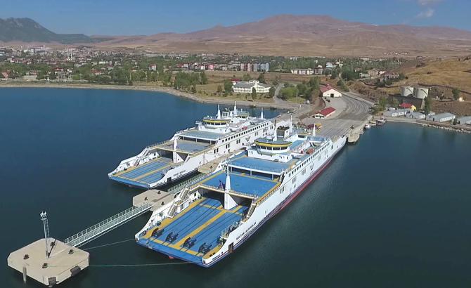 Van'ın iki dev feribotu geçen yıl 500 bin ton taşıdı