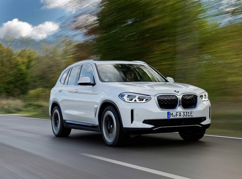 BMW'nin tamamen elektrikli modeli iX3 siparişe açıldı