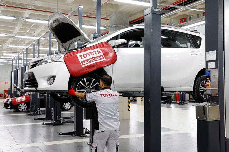 Toyota Plaza Kar'dan İlkbahar'a hazırlık kampanyası