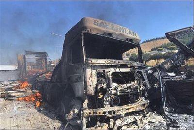 Suriye'de TIR'larımızı yaktılar