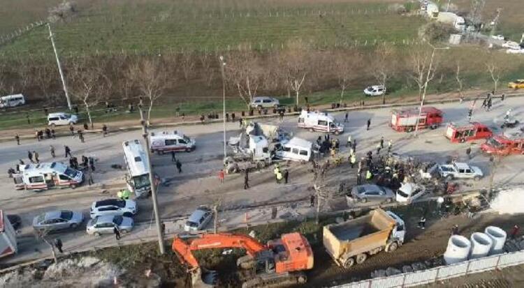 Freni patlayan TIR, araçları biçti: Ölü ve yaralılar var
