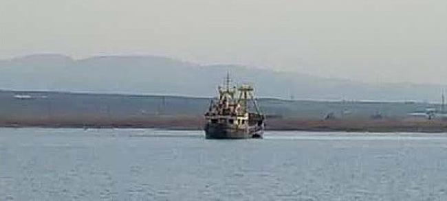 Türk bayraklı gemi Çanakkale'de karaya oturdu