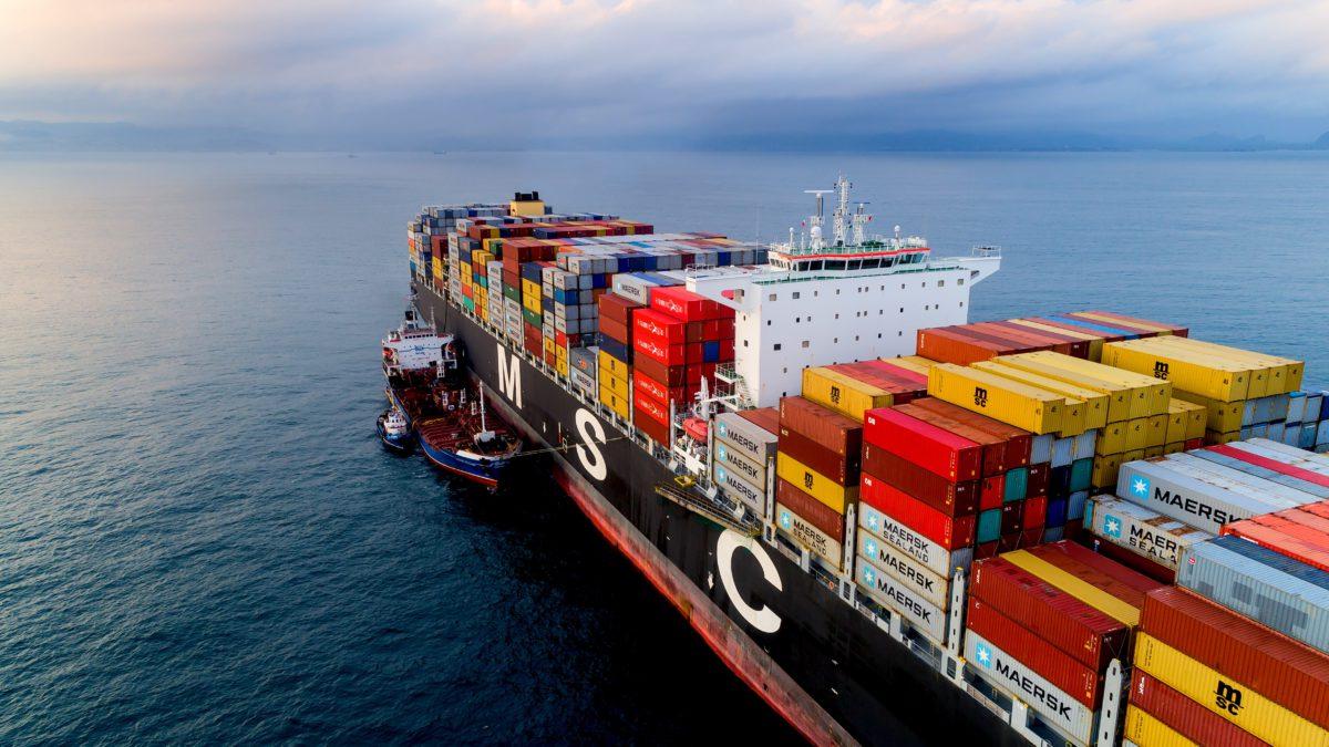 """MSC, Maersk'i devirip """"dünyanın lideri"""" tacını takacak"""