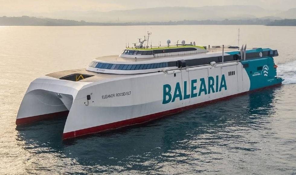 Dünyanın LNG ile çalışan ilk RoPax hızlı feribotu