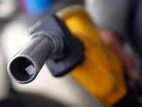 Bunu da gördük: Benzin 6 lirayı geçti!