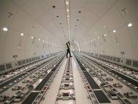 İkinci el Boeing 777 yolcu uçakları kargo uçağı oluyor