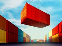 Dearth of boxes pushes up freight rates