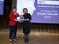 'Fayda ve Değer Yaratan' kadın ödülü Tülin Tezer'in