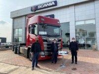 """Scania'dan """"balık taşıma""""ya özel Kırkayak teslimatı"""