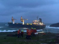 Kuruyük gemisi Riva'da karaya oturdu