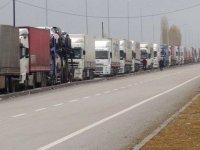 Türk TIR'ları 25 gündür Rus sınırında bekletiliyor