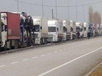 Türk TIR'ları Rus duvarını aşamıyor