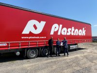 Plastnak, filosuna 15 Schmitz Cargobull ekledi