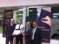 Mercedes-Benz Türk 'Kaptan Sadakat Rozeti' dağıtmaya devam ediyor