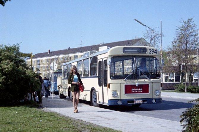 1596549690_p_bus_eot_50_jahre_elektrobus_03.jpg