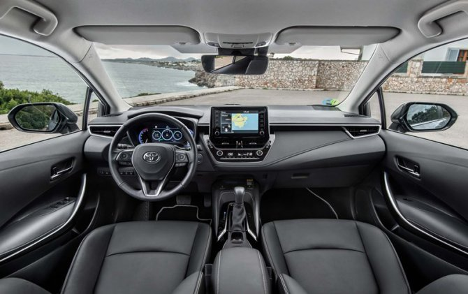 corolla-sedan-(11).jpg