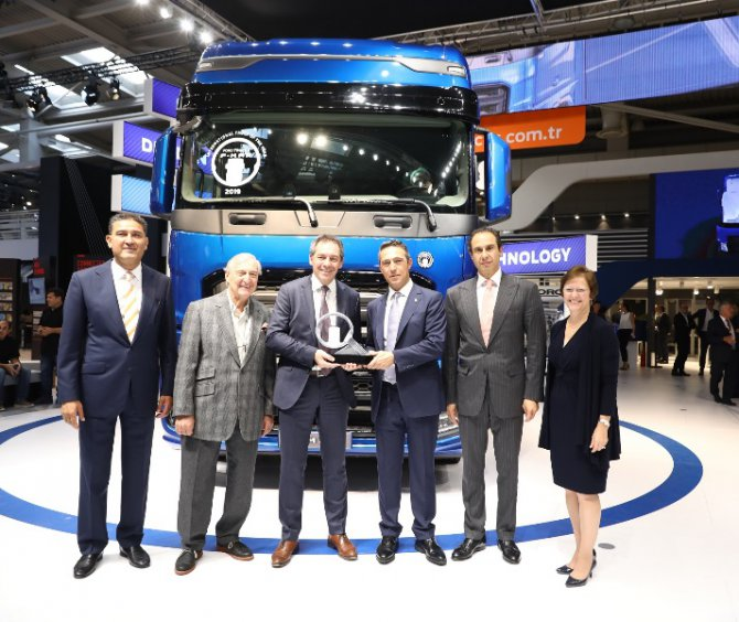 ford_trucks_f_max_hannover_fuar__.jpg