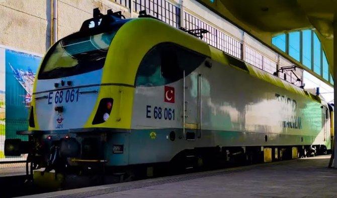 gunturk-tren2-001.jpg