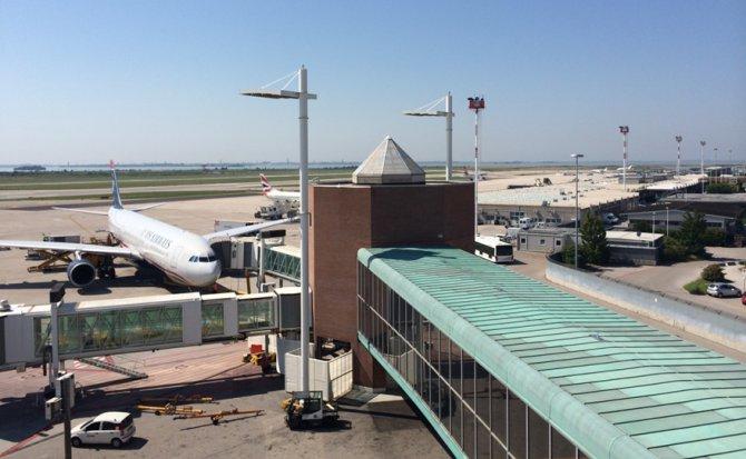 havaalani-ucak.png
