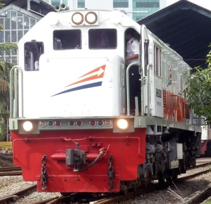 lokomotif.jpg