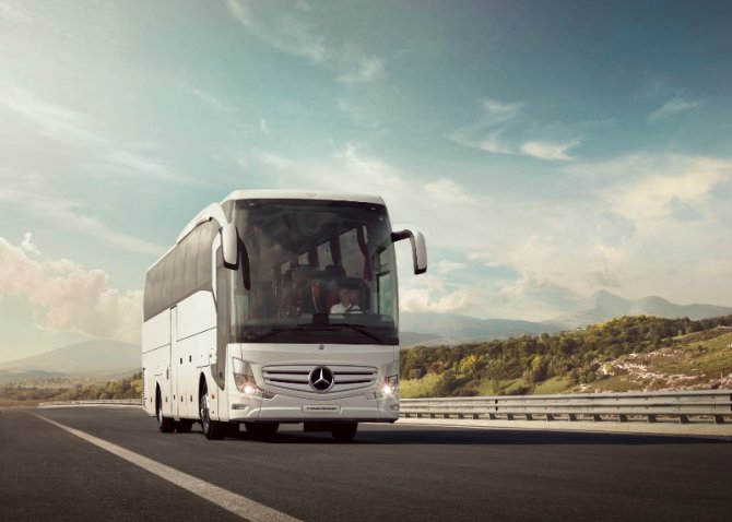 mercedes-benz-travego.jpg