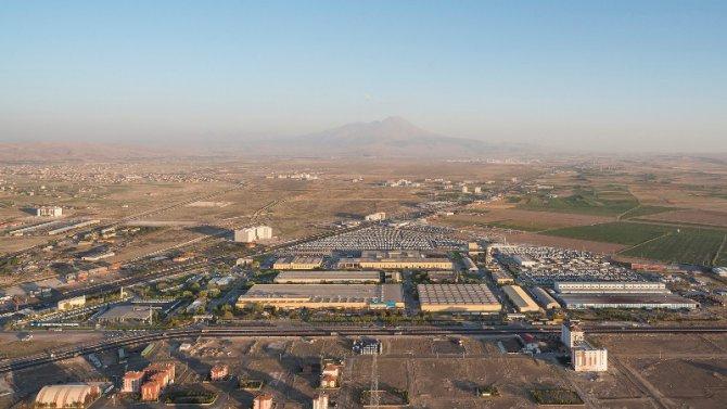 mercedes-benz-turk-aksaray-kamyon-fabrikasi-(1).jpg