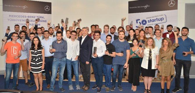mercedes-benz-turkun-50.-yilda-50-startup-yarismasinin-kazananlari-aciklandi-(1).jpg