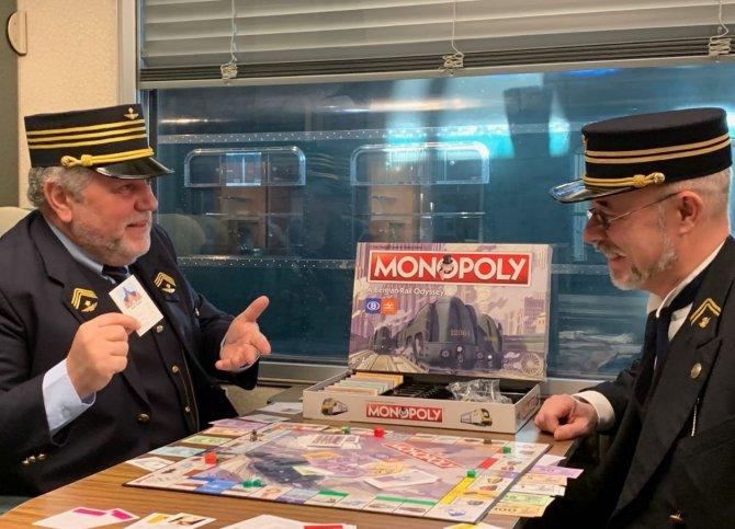 monopoli-oynayanlar.jpg