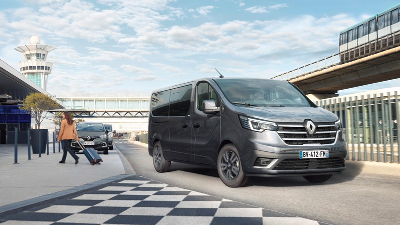 new_renault_trafic_spaceclass_on_location.jpg