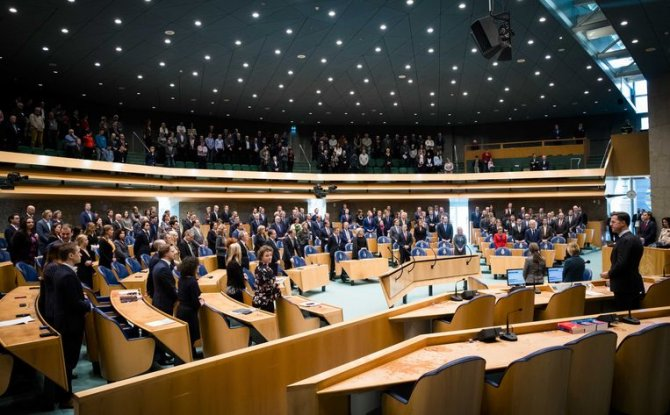parlamento.jpeg