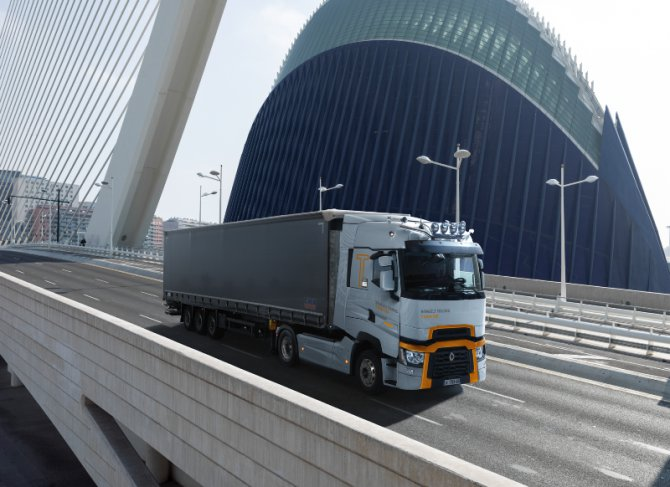 renault_trucks3_t2019.jpg